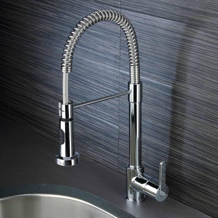 robinets pour un évier de cuisine design avec douchette