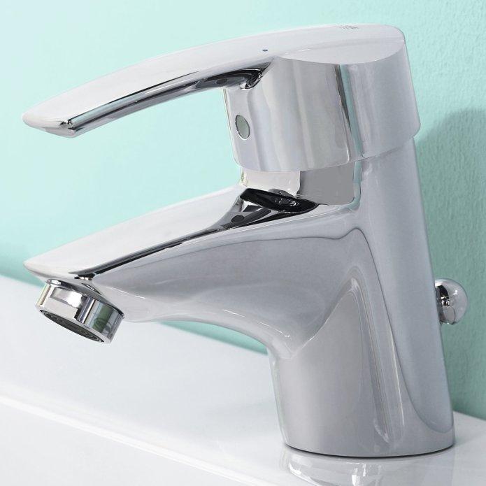 robinet de lavabo en inox grohe start