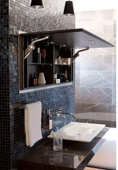 Une autre configuration d'un miroir-meuble. Source: muramur.com