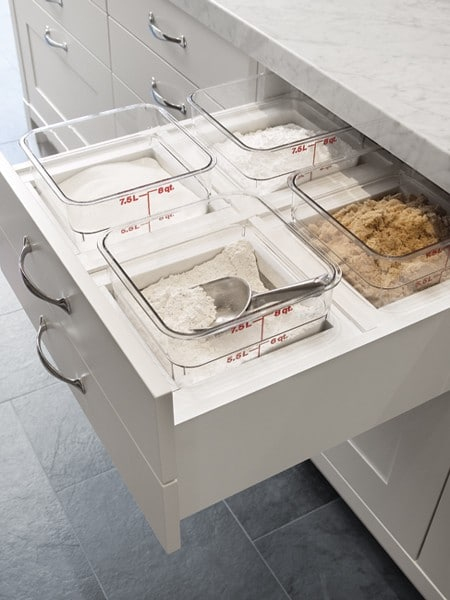 On optimise même les espaces dans les tiroirs.