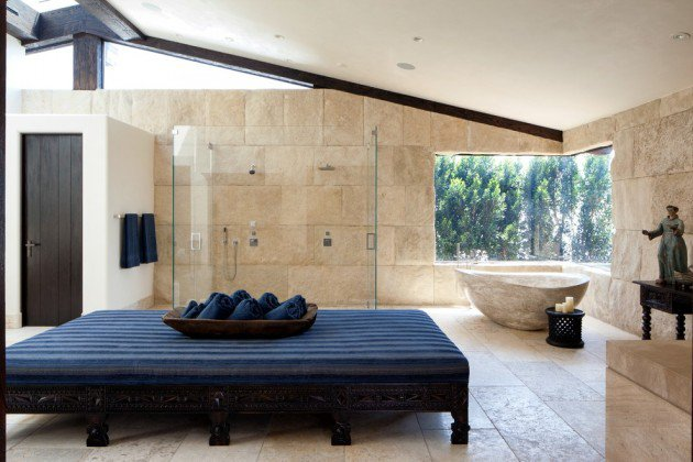 salle-de-bain-mediterraneenne-pierre-natruelle-et-poutres