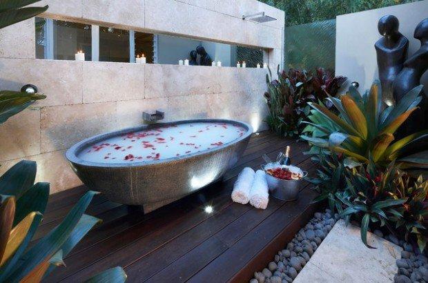 spa-en-forme-de-baignoire