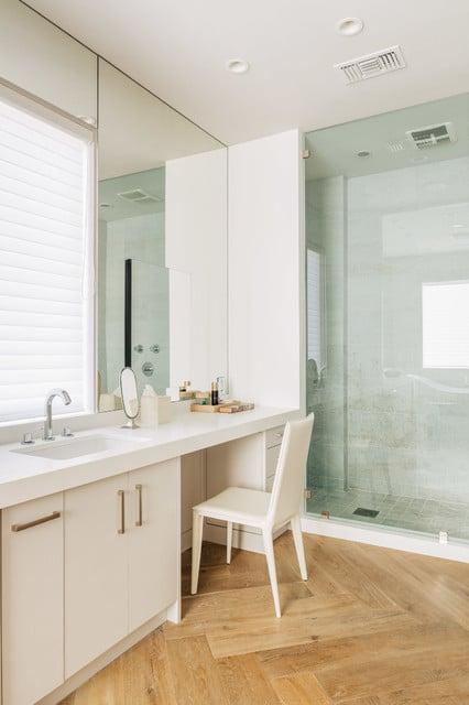 sallede-bain-scnadinave-carrelage-en-bois