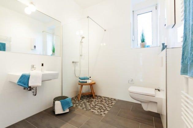 sol-fonce-pour-salle-de-bain-scandinave