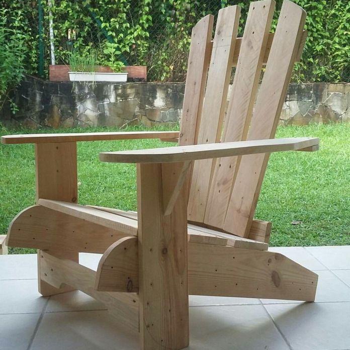 fauteuil en bois avec assise droite