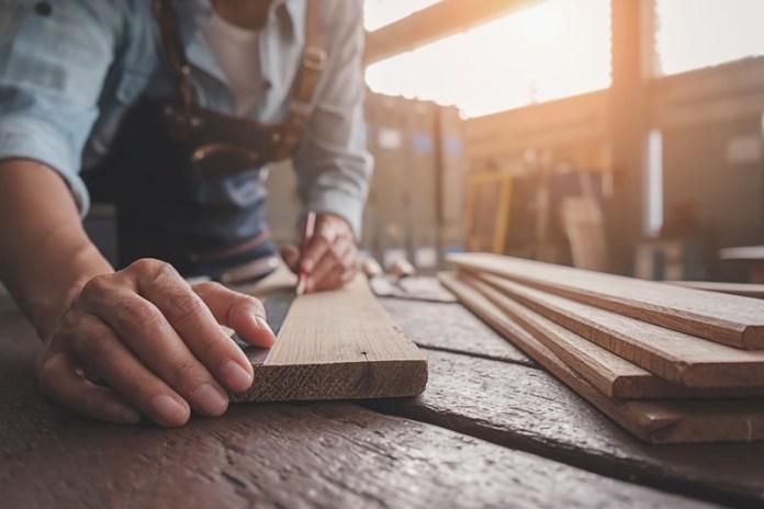Rénovation d'un parquet ancien en bois