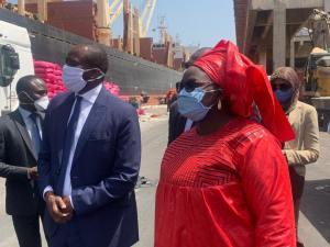Visite de Mme le Ministre du Commerce et des PME au Port