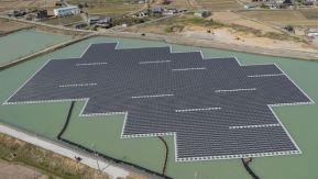 Kyocera met en service ses méga-centrales solaires flottantes au Japon