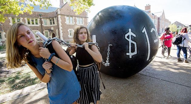 Occorre un default sul debito pubblico