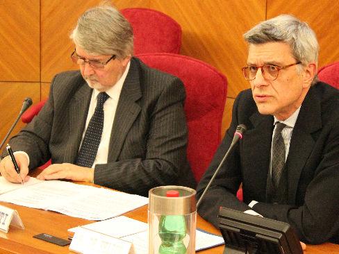 Giuliano Poletti e Massimo De Felice durante la presentazione del bando Isi 2014