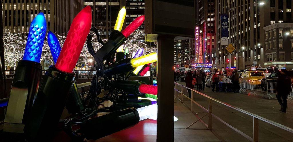luces navideñas en la 6ta avenida 2