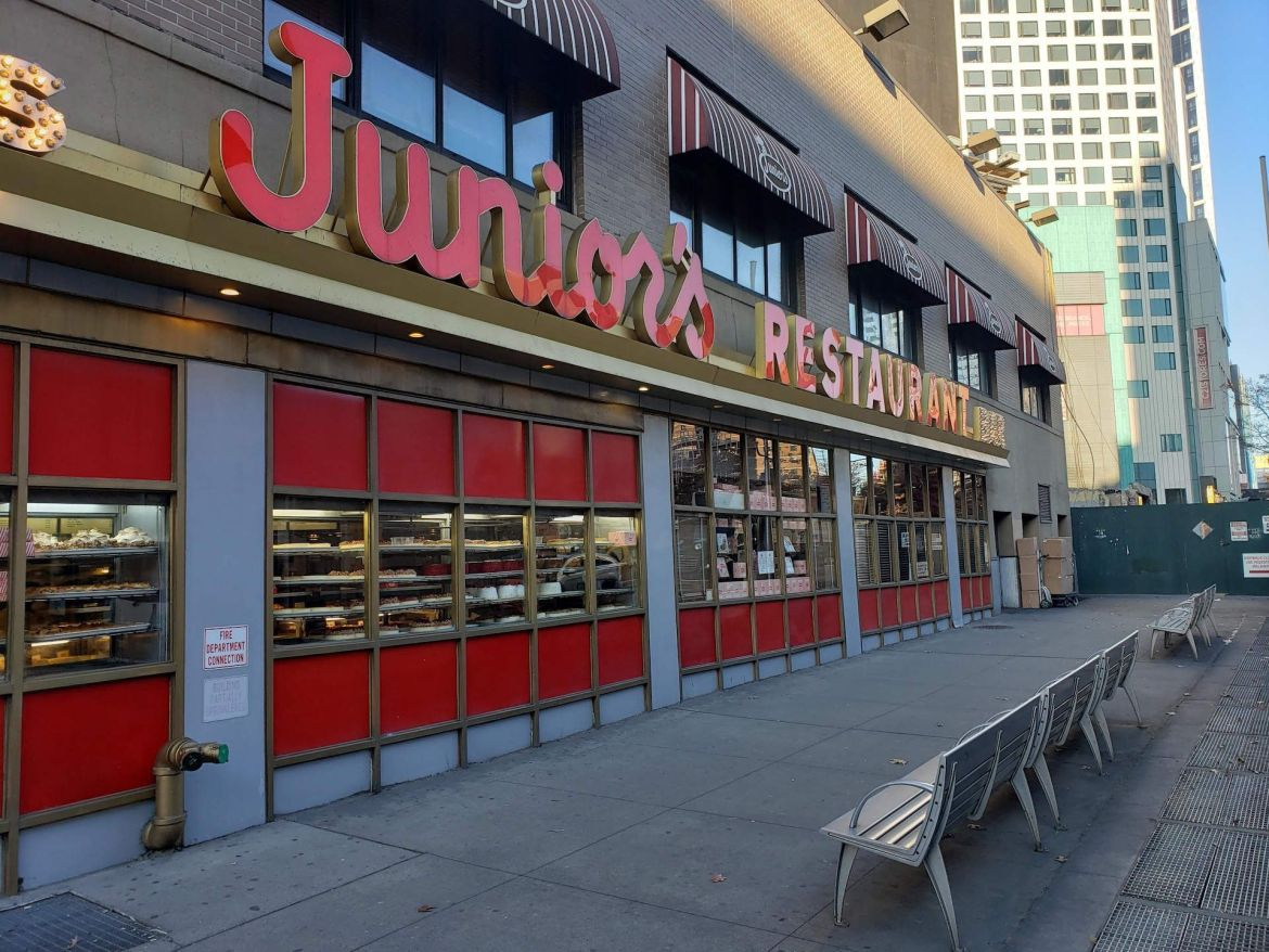 Exterior de Junior's en Brooklyn