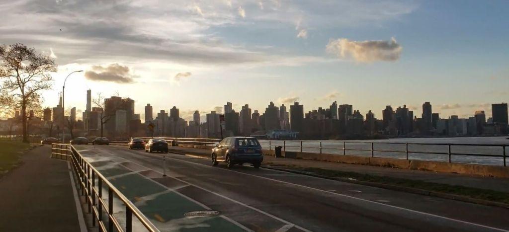 vista de Manhattan desde Astoria Park en Queens