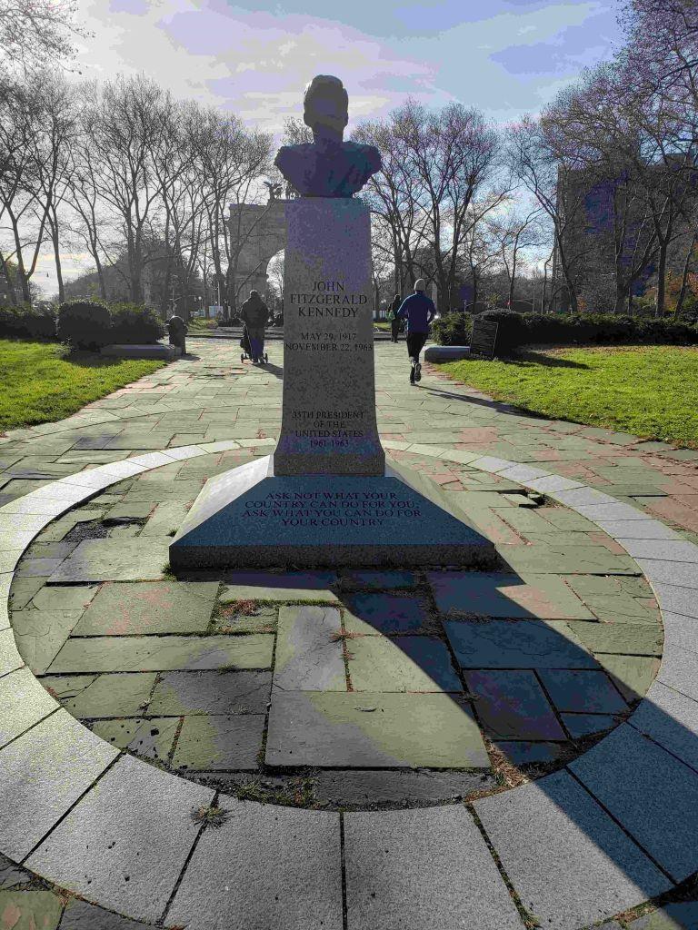 Monumento a Kennedy en Brooklyn