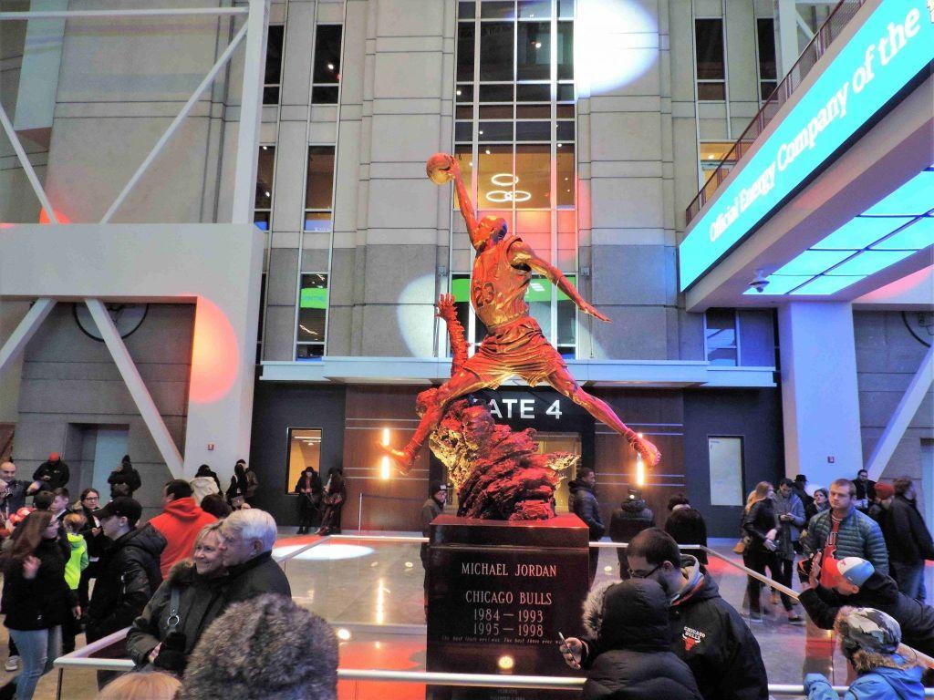 Estatua a Michael Jordan