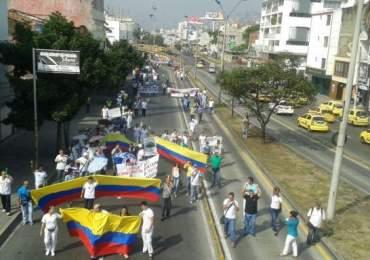 Funcionarios del Hospital Universitario del Valle continúan en movilizaciones