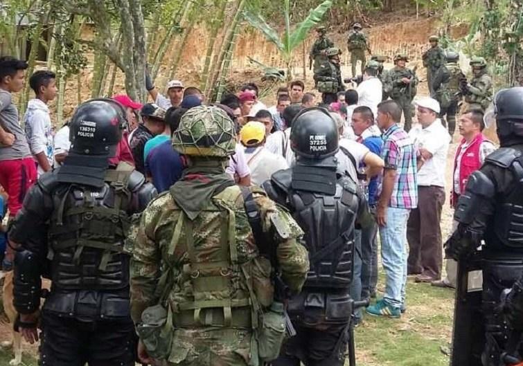 Campesinos en Argelia, Cauca, retoman actividades en medio del miedo