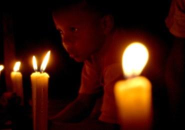 Una vela por la paz con justicia social en Colombia
