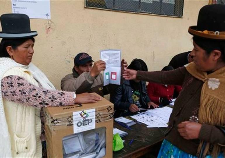 Empate técnico en referendo reeleccionista en Bolivia