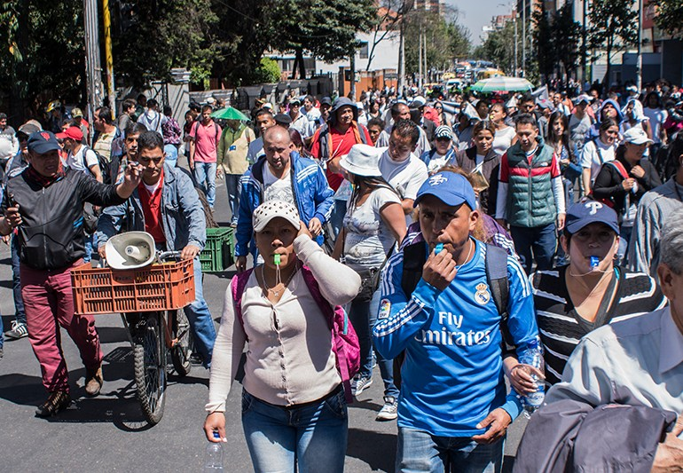 Vendedores informales protestan por decisiones de la Alcaldía Peñalosa
