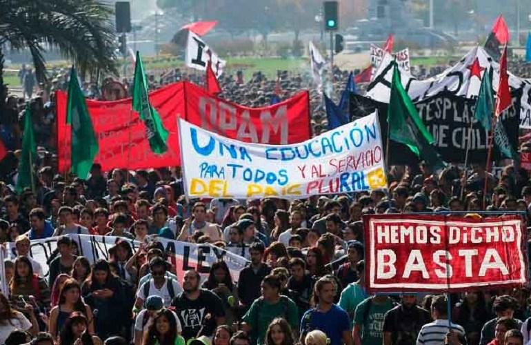 Estudiantes chilenos vuelven a las calles y convocan paro multisectorial