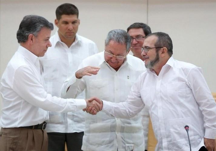 1.641 días de diálogos para poner fin a 52 años de guerra en Colombia