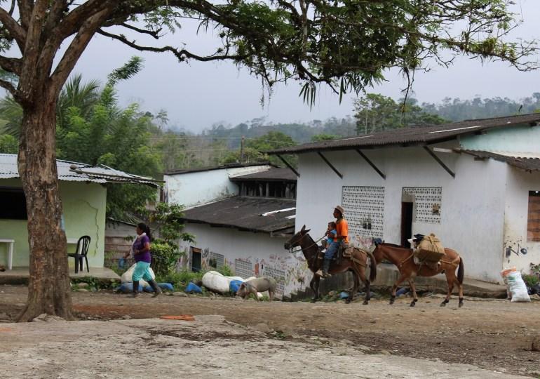 Con cruces negras en las casas amenazan a líderes en Puerto López