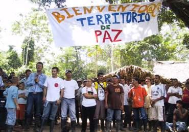 ¡500 jóvenes marchan hacia el Catatumbo por la paz!