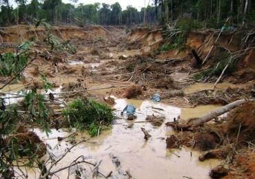 Una mesa de investigación sobre los impactos de la minería en Colombia