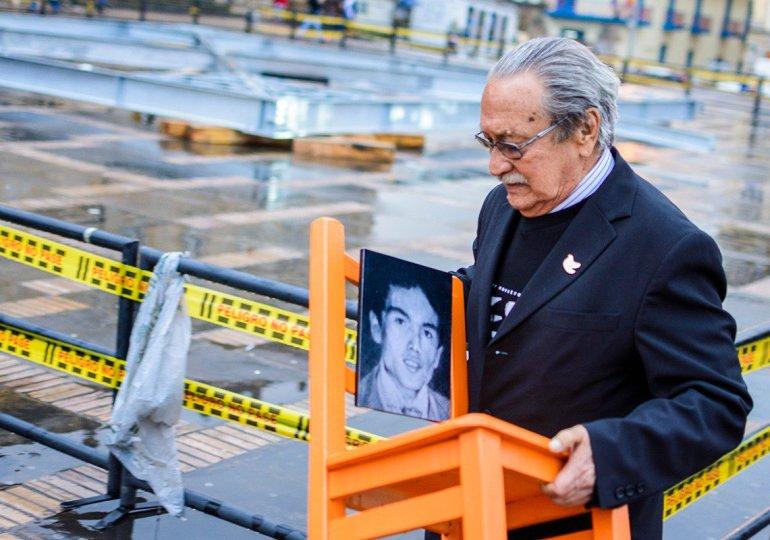 Don Héctor abraza hoy a su hijo Héctor Jaime Beltrán, víctima de toma y retoma del Palacio de Justicia
