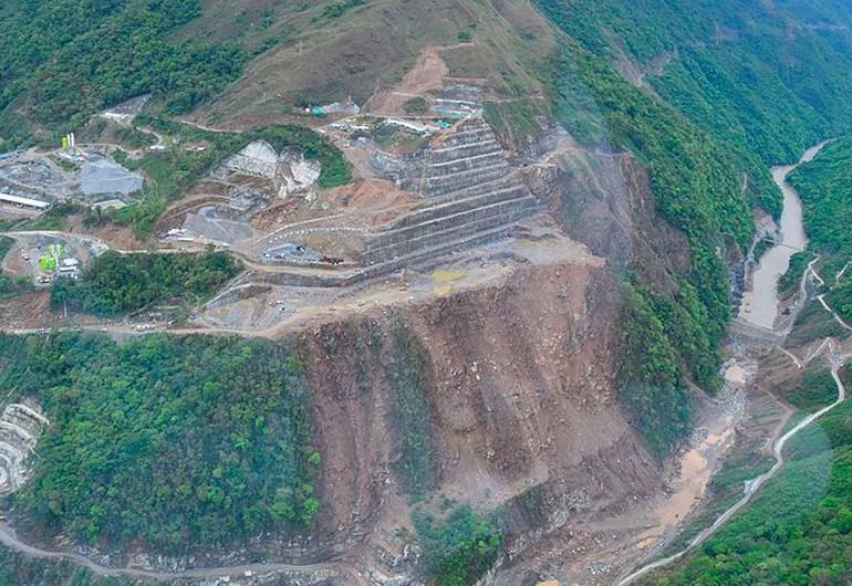 EPM debe dar orden de desalojo a comunidades aledañas al Río Cauca: Isabel Cristina Zuleta