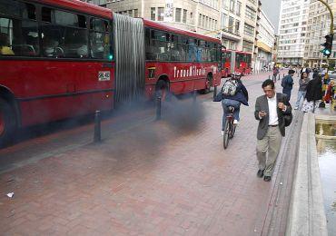 Frenar el cambio climático en Bogotá no será posible con la nueva flota de Transmilenio