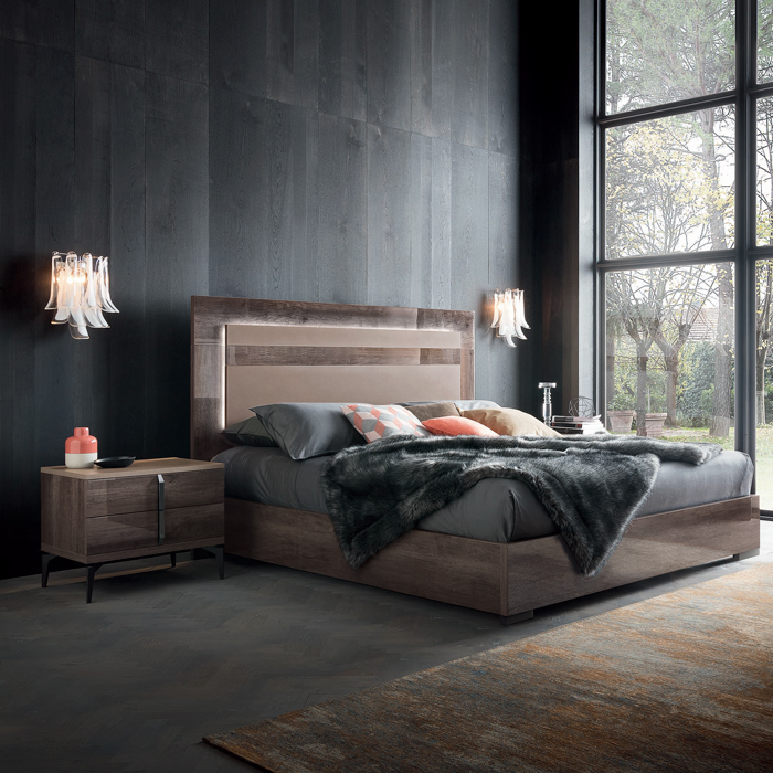 Contemporary Galleries Matera Bed Queen