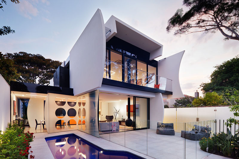 Robert Puksand of Australian architecture & interior design practice Gray Puksand, has designed a modern house for himself and his family, located in the Melbourne suburb of Brighton.