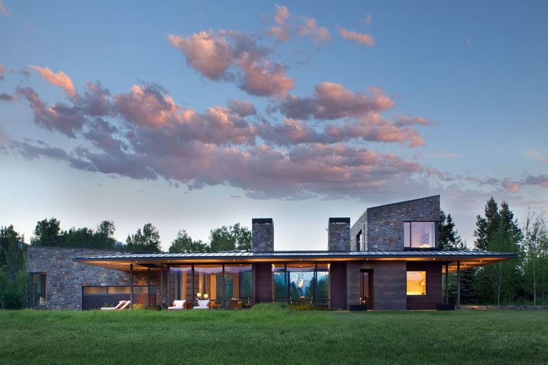Carney Logan Burke Architects have designed a contemporary house in Wilson, Wyoming, that sits on a40-acre site at the base of the Teton Range. #ModernHouse #Architecture