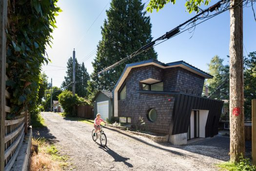 Campos Studio have designed a shingle-covered, modern laneway house in Vancouver, Canada. #LanewayHouse #ModernArchitecture #SmallHouse