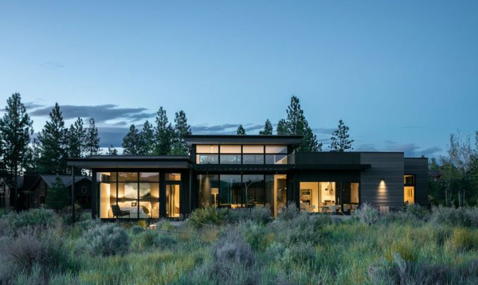 DeForest Architects have designed a modern house in Bend, Oregon, for their clients, an interior designer and her husband, as a place to getaway, recharge and relax. #ModernHouse #ModernArchitecture