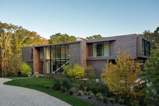 Blaze Makoid Architecture have designed a new house in Southampton, New York, for acouple who were attracted to the pristine surroundings, and envisioned the home as a secret enclave in the trees for themselves and their friends. #ModernHouse #ModernArchitecture #HouseDesign #Landscaping