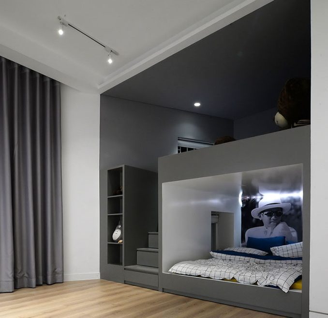 Play And Study Room: Built-In Bunk Beds And Closets Make Space