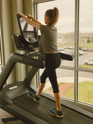Common exercise mistakes: holding onto treadmill