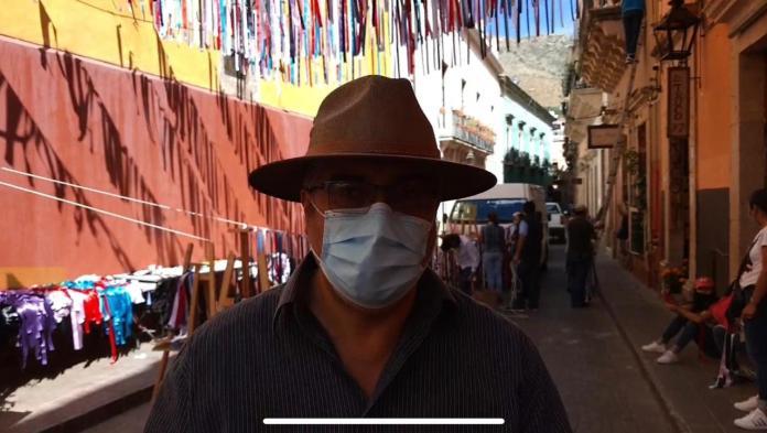 Colocan listones en la capital en honor a los médicos fallecidos por Covid
