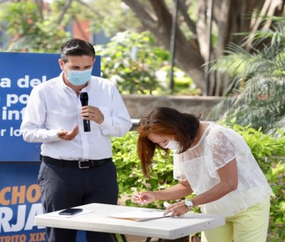 Firma Poncho Borja Pacto por la Primera Infancia del Distrito XIX.