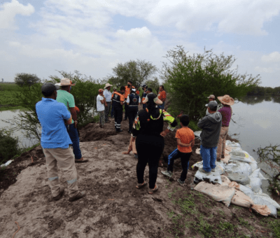 Atienden autoridades de los tres órdenes de gobierno, los desbordamientos que se presentaron en las márgenes del Río Turbio, entre los municipios de Cuerámaro y Abasolo.