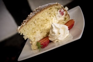 La P'tite Cocotte, where to eat in Old Nice - Strawberry Cake