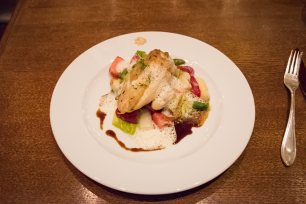 Brasserie Desbrosses, Berlin: Chicken and strawberries