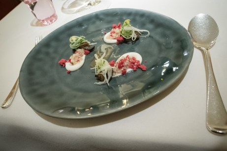 Dallmayr, Restaurant in Munich: snails with Corn Flakes and dehydrated raspberries