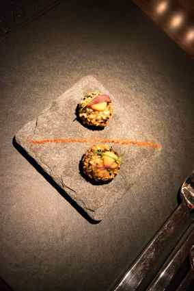 L'Atelier Robuchon in Montreal - Amuse bouche of fried quinoa