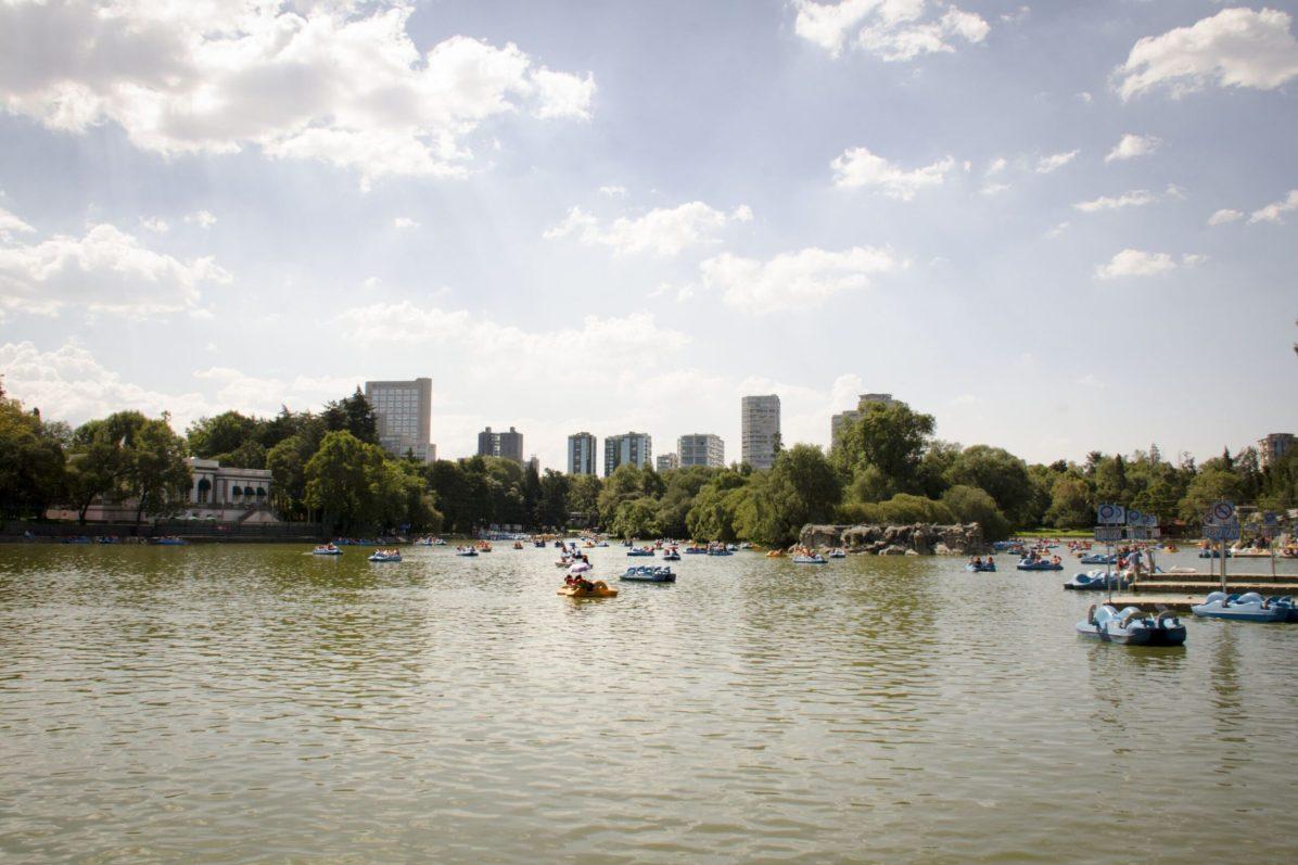 Visiter Mexico: Chapultepec – Le lac du parc de Chapultepec et ses pédalos