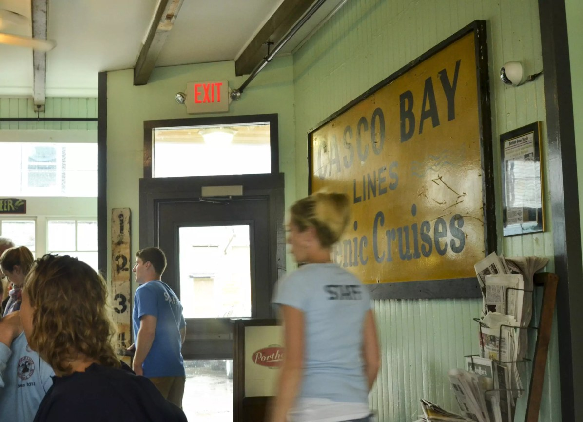 Eating in Portland, Maine: The Porthole