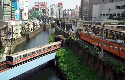 Most Beautiful Subway - Tokyo takes public transportation seriously